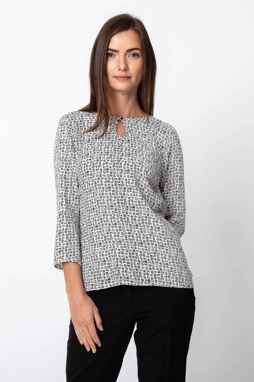 Biała bluzka z czarnym wzorem