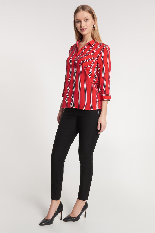 Czerwona koszula w pionowe paski
