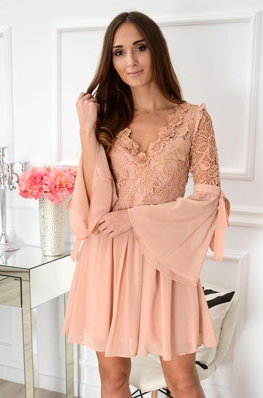Elegancka sukienka z koronkową górą Ella pudrowa Rozmiar: S