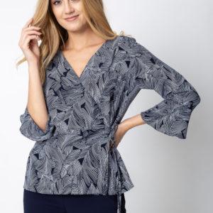 Granatowa kopertowa bluzka ze wzorem