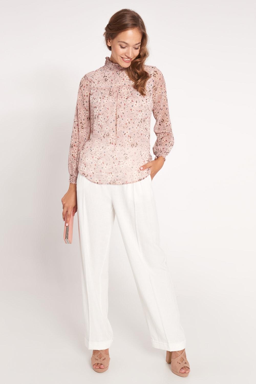 Różowa kwiecista bluzka z marszczeniem