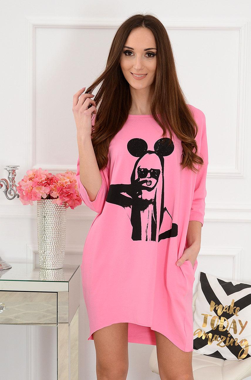Sukienka oversize z nadrukiem różowa Miki Girl Rozmiar: UNI