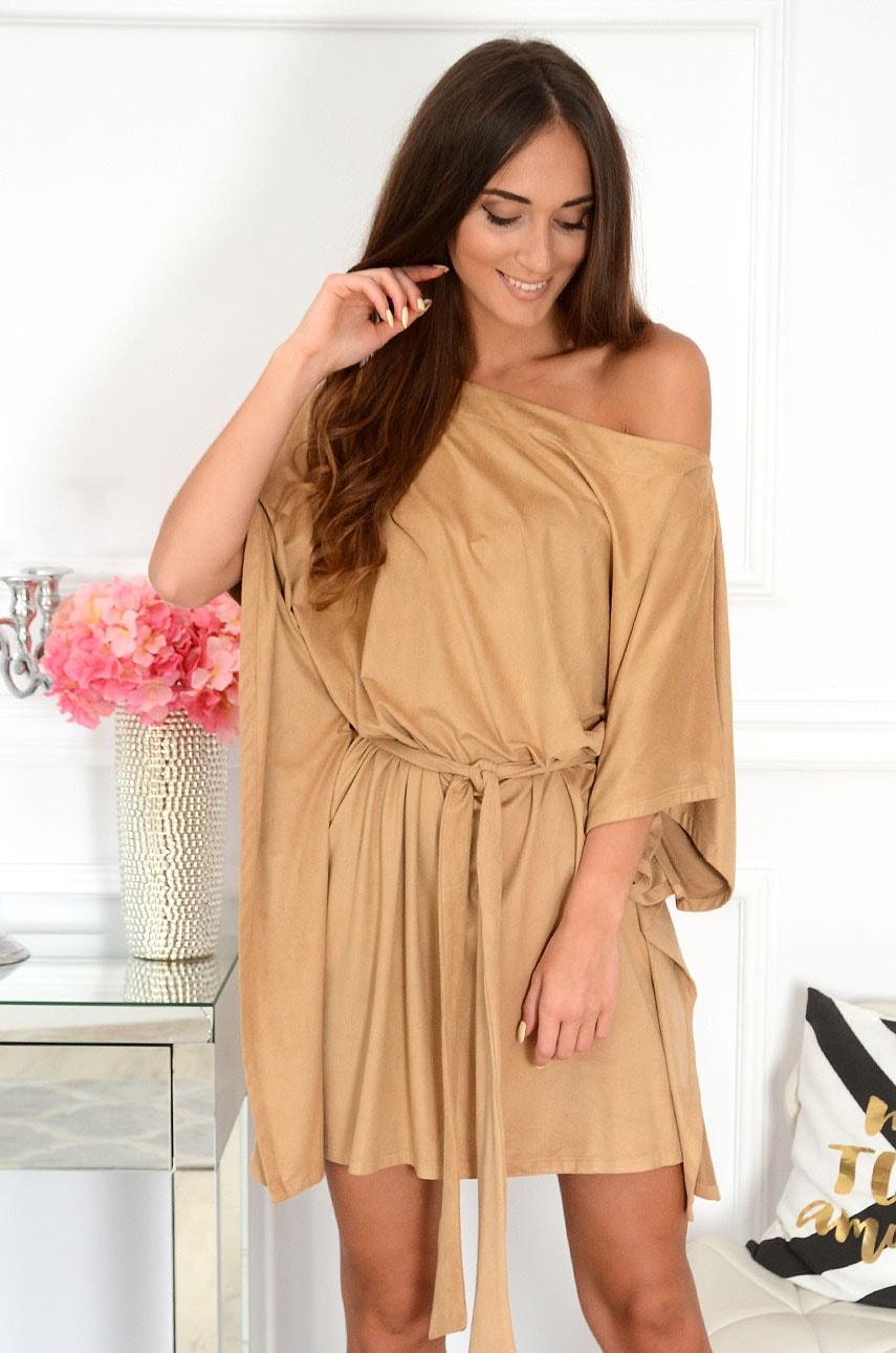 Sukienka oversize z paskiem zamszowa kamel Flavia Rozmiar: UNI