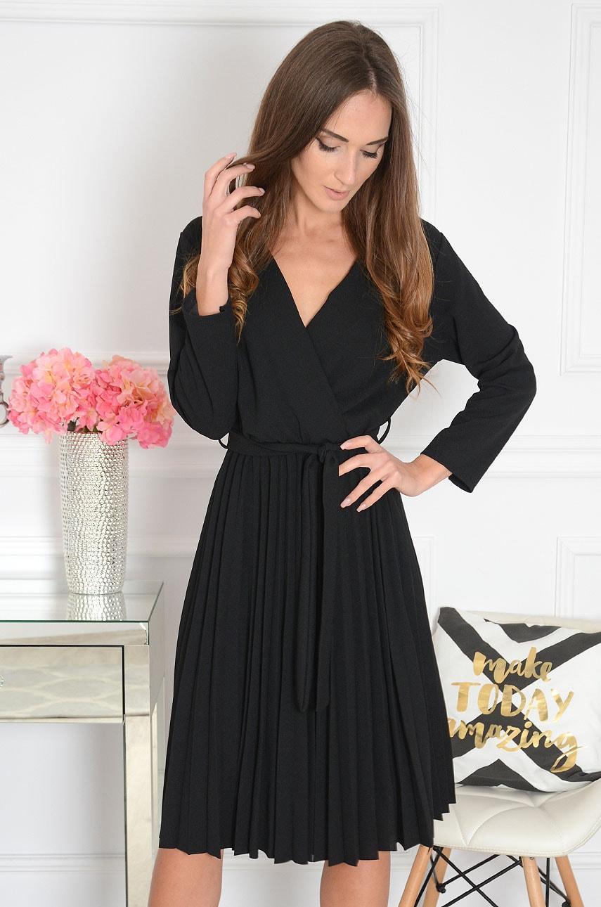 Sukienka plisowana kopertowy dekolt czarna Kiss New Rozmiar: UNI