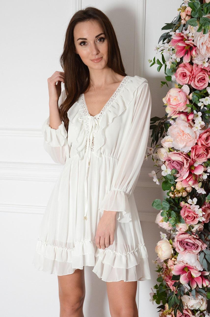 Sukienka szyfonowa z falbanką i gipiurą kremowa Rosa Rozmiar: UNI