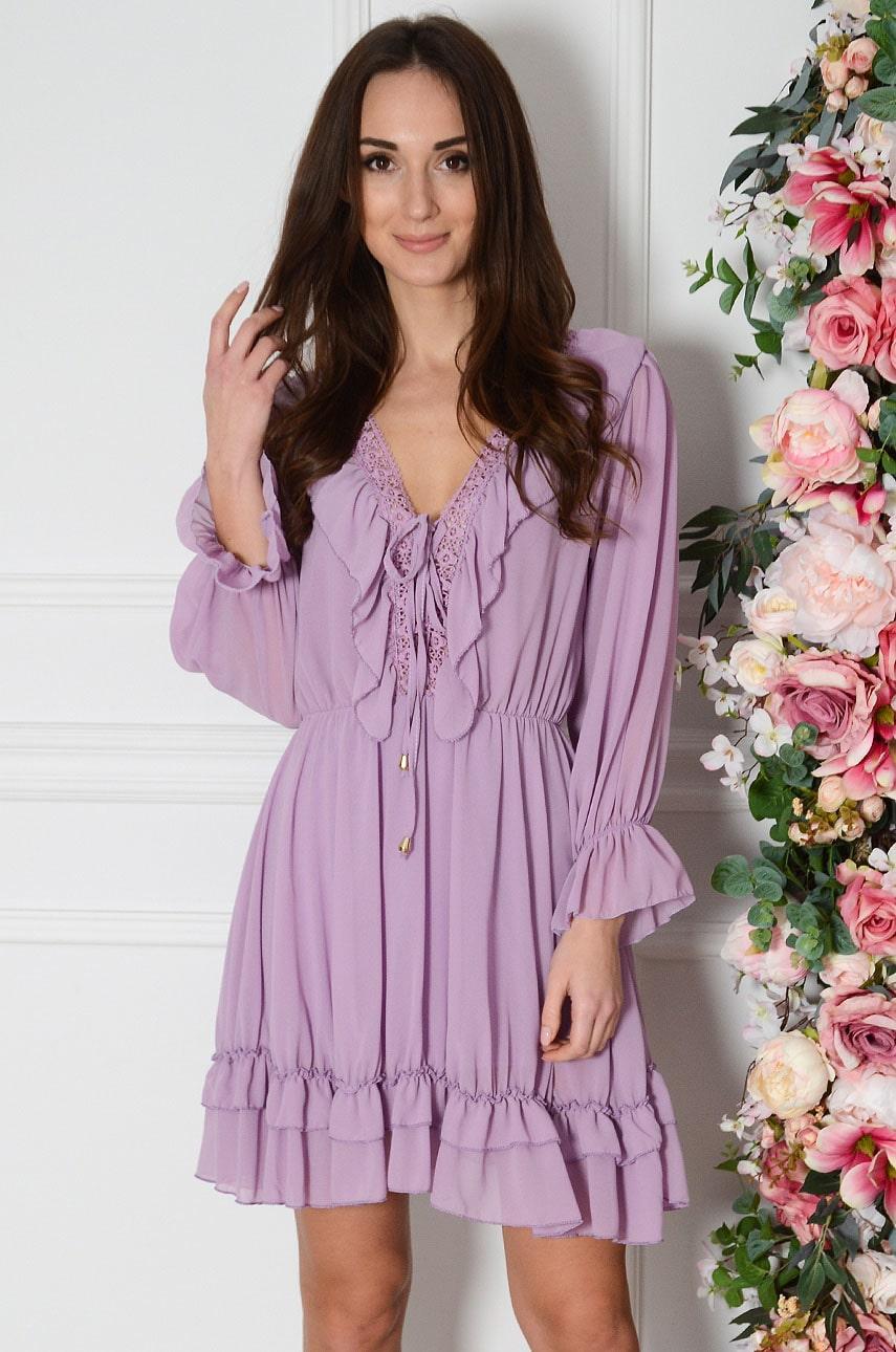 Sukienka szyfonowa z falbanką i gipiurą liliowa Rosa Rozmiar: UNI