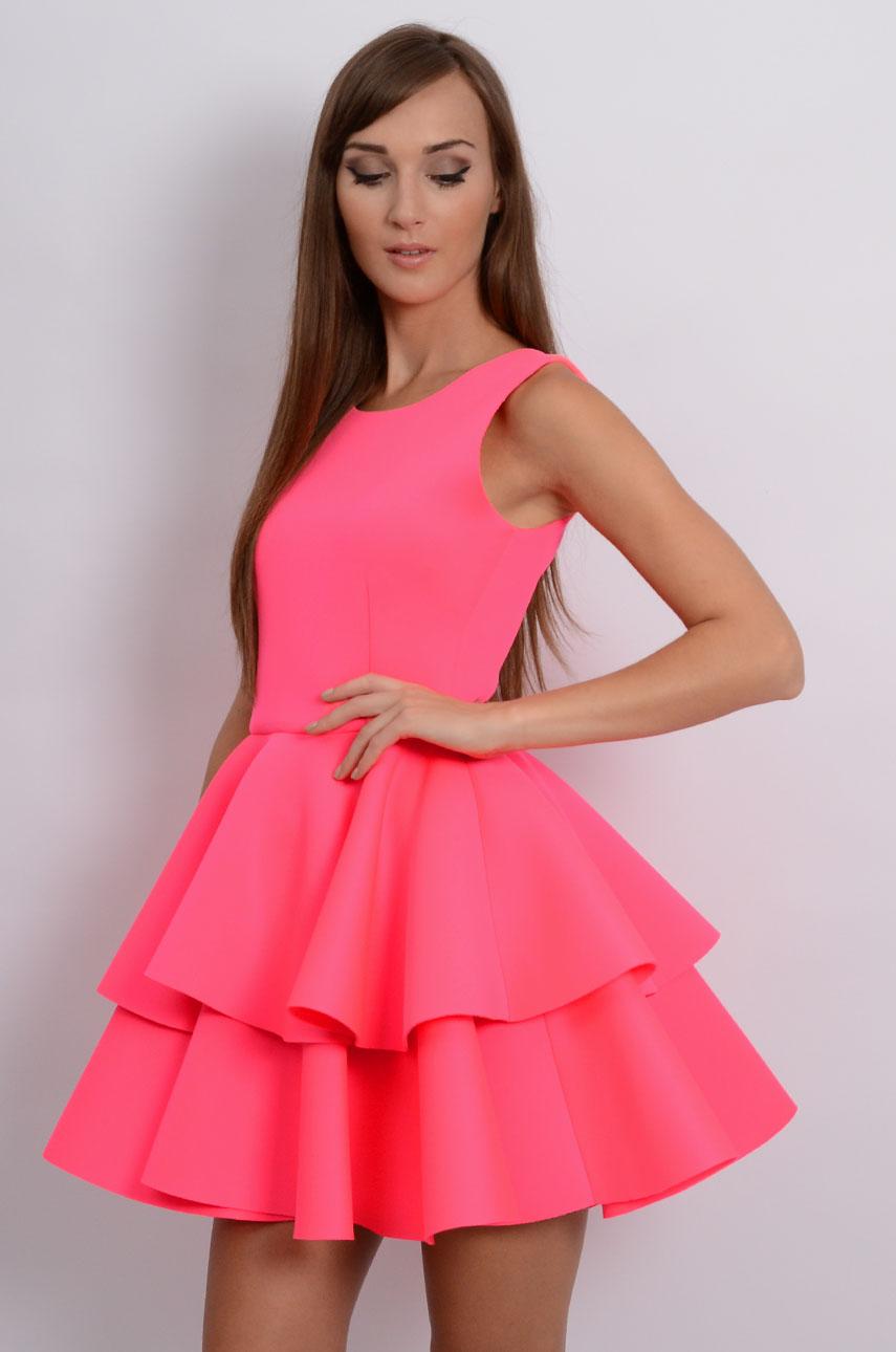 Sukienka z podwójną falbaną neonowy róż Rozmiar: M