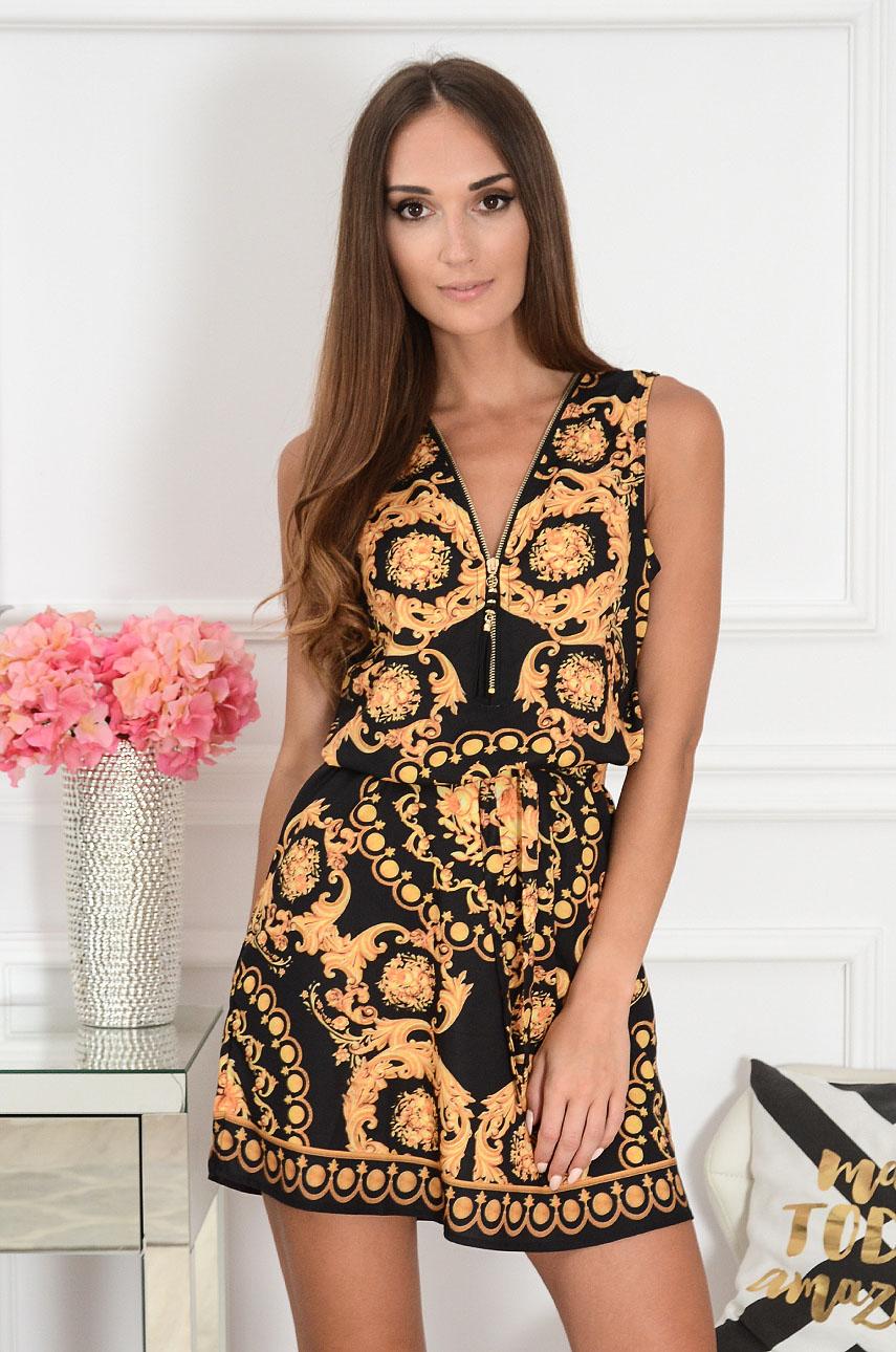 Sukienka z suwakiem przy dekolcie w ornamenty czarna Serwina Rozmiar: UNI