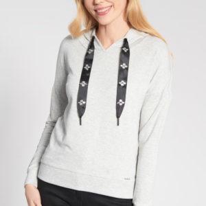 Szara bluza z kapturem z ozdobnymi tasiemkami